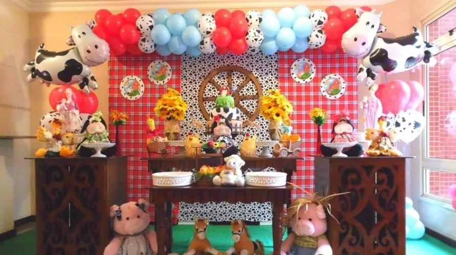 10b202279a Flores naturais sofisticam a decoração das festas infantis  veja ...