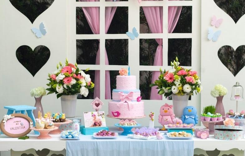 f4cb62a693 Um jardim foi a inspiração para a festa de menina decorada pela Maria Flor  Festas (