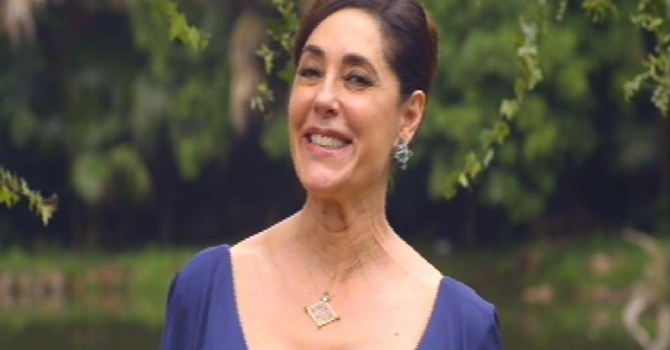 Maria Inês anuncia a chegada da noiva