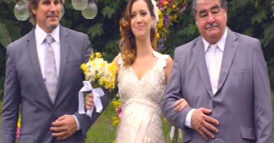 Laura chega para o casamento