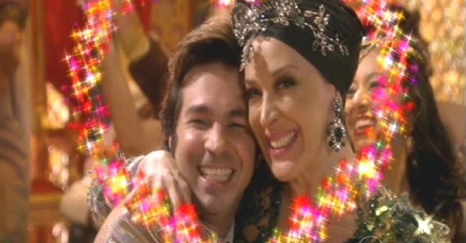 Pepito se diverte com Samantha em festa