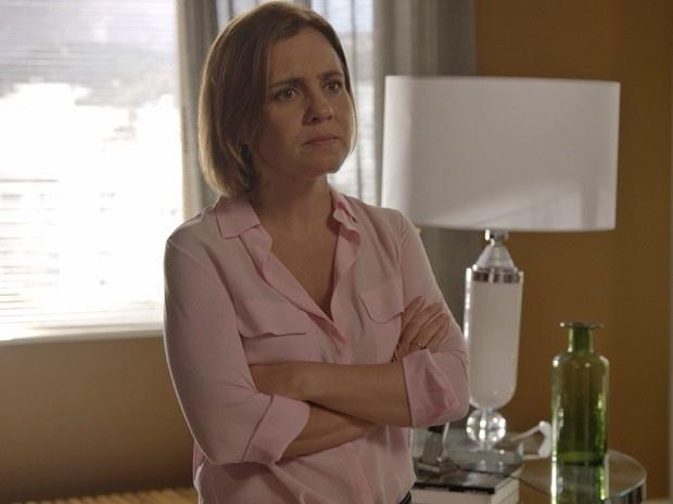 Inês visita o apartamento de Beatriz e enfrenta a empresária