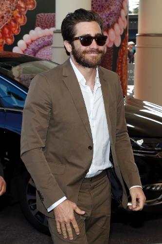 12.mai.2015 - O ator Jake Gyllenhaal chega para o Festival de Cannes