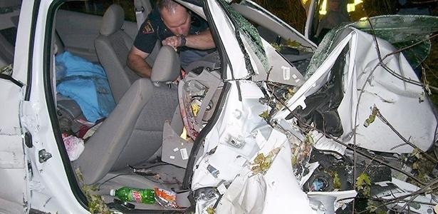 Acidente com Chevrolet Cobalt por falha na ignição usada pela GM, ocorrido em outubro de 2006, em Wisconsin (EUA), matou duas pessoas - Reuters/Handout