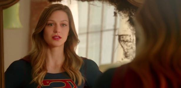 """Kara Zor-El (Melissa Benoist) se encara no espelho em cena do 1º trailer de """"Supergirl"""""""
