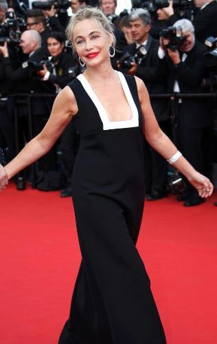 13.mai.2015 - Musa de grandes cineastas franceses, como François Ozon e Claude Chabrol, Emmanuelle Béart, 51, chega à abertura do Festival de Cannes 2015