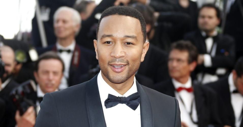 13.mai.2015 - O cantor e compositor John Legend comparece ao primeiro dia do 68° Festival de Cannes