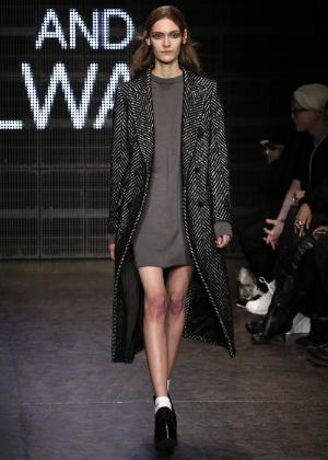 Veja a influência da década de 90 nas semanas de moda internacionais. 3    19Getty Images 5c0d2b26e55