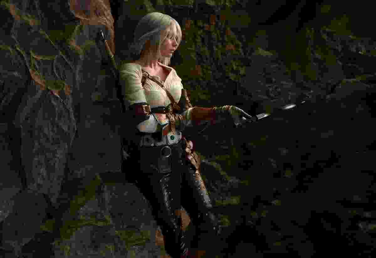 """A cosplayer Galina Zhukovskaia encarna Cirilla, personagem do jogo """"The Witcher 3"""", antes mesmo do jogo ser lançado - Makar Vinogradov"""