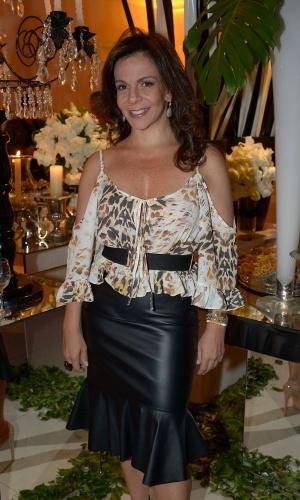 13.mai.2015 - A cantora Sula Miranda prestigia o aniversário de Fabio Arruda em São Paulo, nesta quarta-feira
