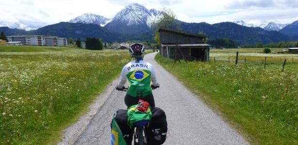 Quem vai de bike pode chegar a lugares que outros meios de transporte não alcançam - Arquivo Pessoal