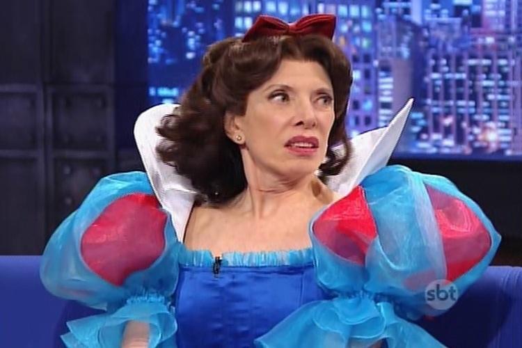 """13.mai.2015 - Marília Gabriela participa do """"The Noite"""" e conta que não foi convidada para a festa de 50 anos da Rede Globo"""