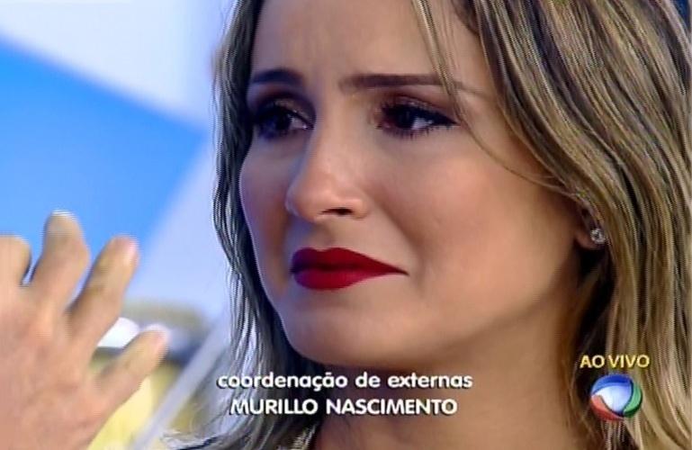 14.mai.2015 - Claudia Leitte se emociona ao reencontrar o cantor baiano Netinho