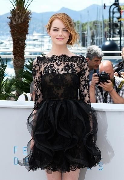 15.mai.2015 - A atriz norte-americana Emma Stone, 26, posa para fotógrafos durante a divulgação, no Festival de Cannes, de seu mais novo filme,