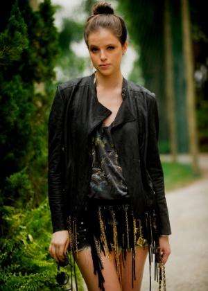 Giovanna (Ágatha Moreira )é a filha mais velha de Alexandre (Rodrigo Lombardi) e Pia (Guilhermina Guinle), tem um comportamento rebelde