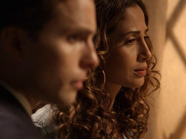 Regina e Vinicius descobrem que Beatriz foi a última pessoa que Cristóvao viu antes de ser morto