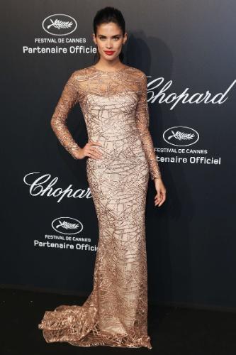 18.mai.2015 - A modelo portuguesa Sara Sampaio esteve presente na festa da Chopard Gold Party que aconteceu na noite desta segunda-feira (18) durante o sexto dia do 68º Festival de Cannes