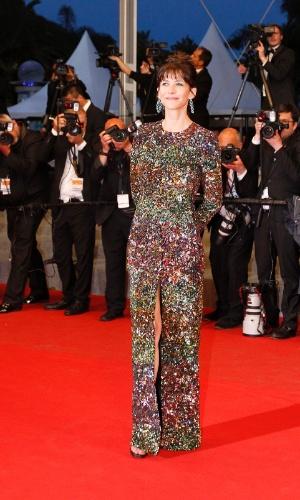19.mai.2015 - A atriz francesa Sophie Marceau, 48 anos, posa para fotógrafos durante a apresentação do filme