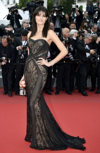 19.mai.2015 - Assim como Adriana Lima, Isabeli Fontana também prestigiou a divulgação do filme
