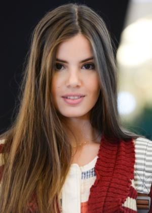 """Camila Queiroz interpreta Arlete em """"Verdades Secretas"""""""
