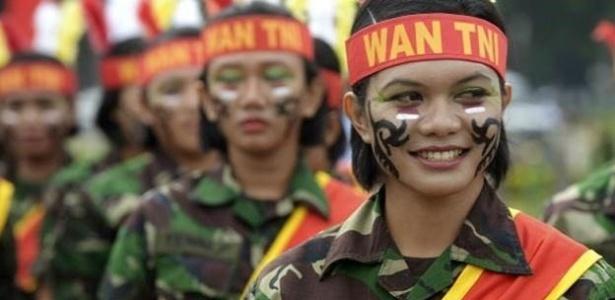 """Teste em recrutas indonésias foi classificado como """"cruel, degradante e humilhante""""  - AFP"""