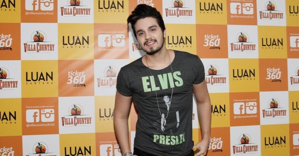 """21.mai.2015 - Luan Santana apresenta seus novos CD e DVD """"Acústico"""" na Villa Country, na Barra Funda, zona oeste de São Paulo, nesta quinta-feira"""