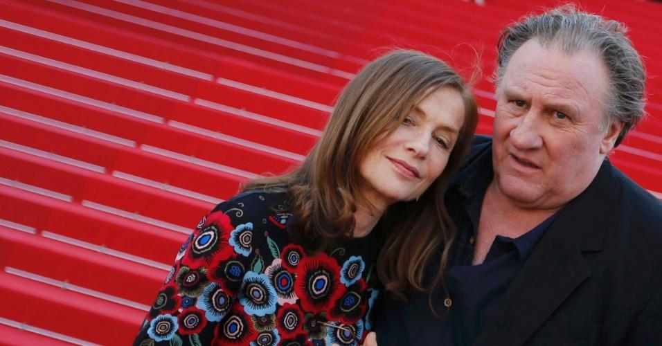 22.mai.2015 - Gerard Depardieu apresenta com Isabelle Huppert, o filme