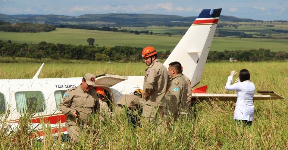 Avião com Angélica e Luciano Huck faz pouso forçado em Mato Grosso do Sul