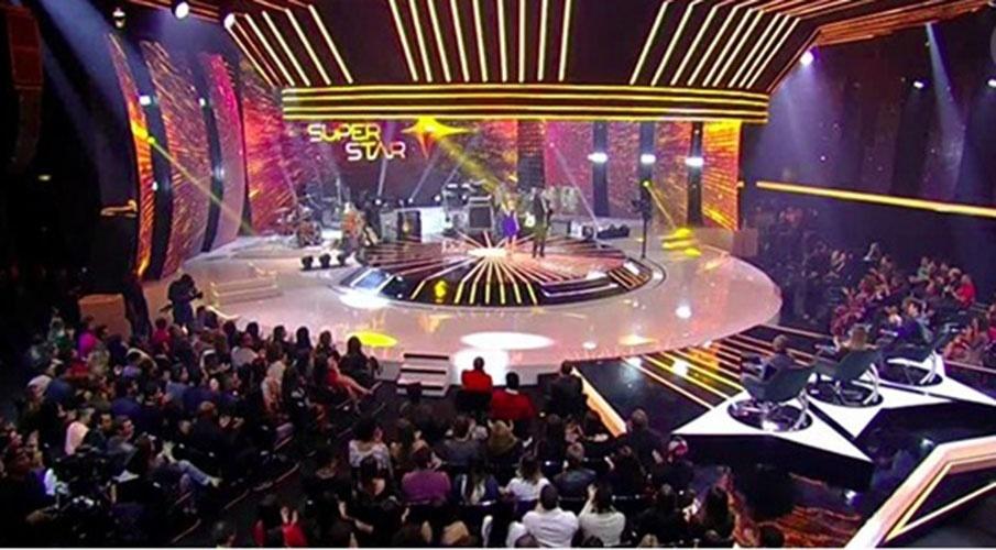 25.mai.2015 - Seis bandas que tocaram na noite deste domingo foram aprovadas por público e jurados e prosseguem na competição. São elas, Devir (86%), Dona Zaíra (85%), Versalle (85%), Os Gonzagas (82%), Eletronaipe (82%) e Kita (80%). Foram eliminadas a banda Trio Sinhá Flor (76%) e Reverse (69%)