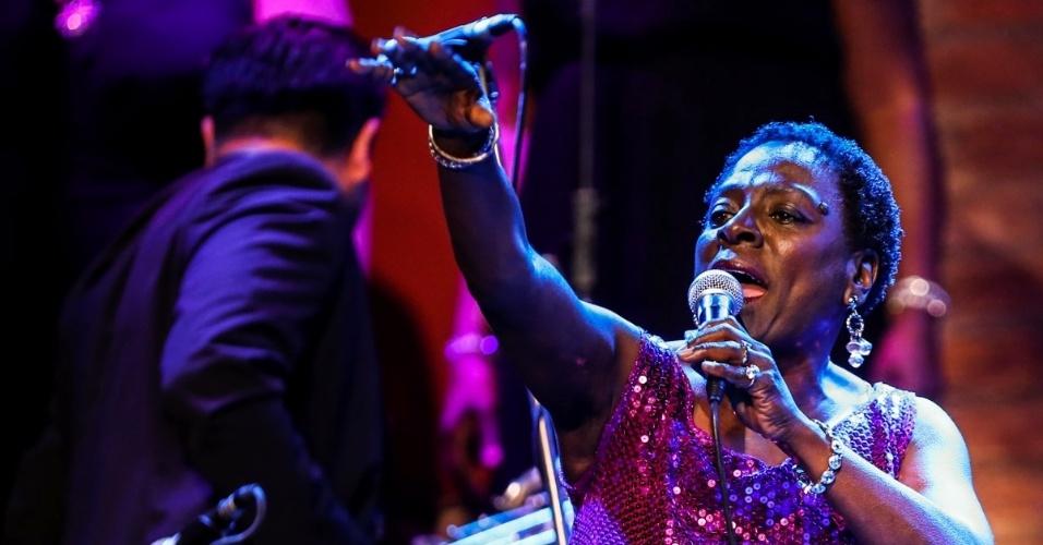 26.mai.2015 - Shows de Sharon Jones ao lado da banda Dap-Kings, em São Paulo