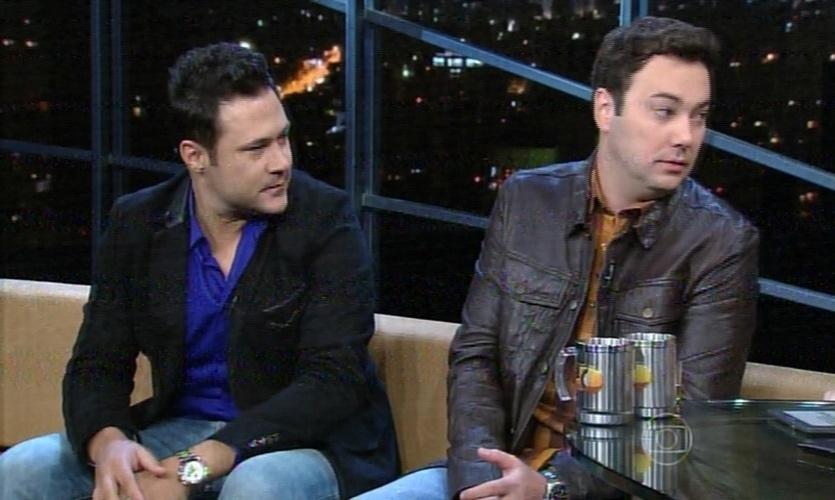 26.mai.2015 - Dupla João Bosco e Vinícius narra os momentos de tensão durante um voo depois de um show