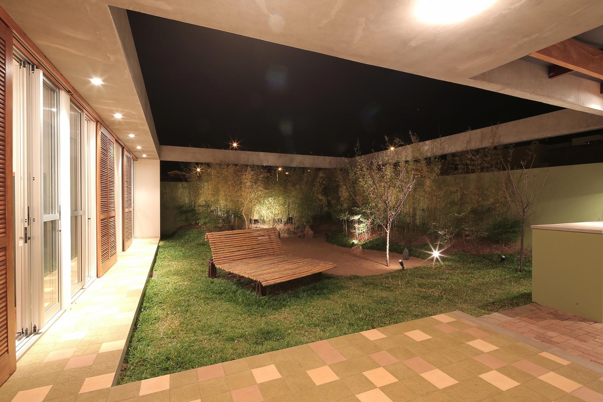 Veja ideias bacanas para renovar o visual do seu jardim for Pisos para patios internos