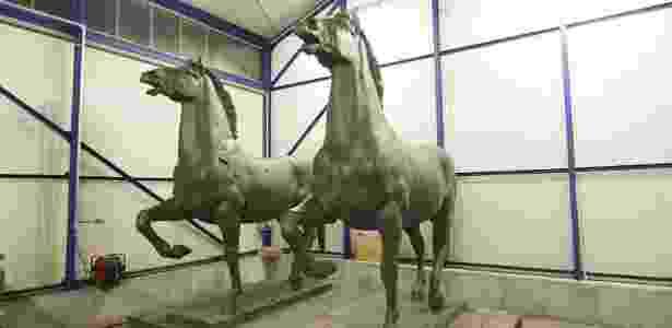 Esculturas de cavalos em bronze feitas pelo artista Josef Thorak para Hitler - EFE