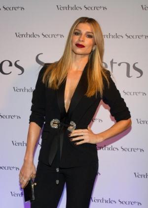 """28.mai.2015 - Grazi Massafera chega à festa de lançamento da novela """"Verdades Secretas"""" em uma casa de eventos, em São Paulo"""