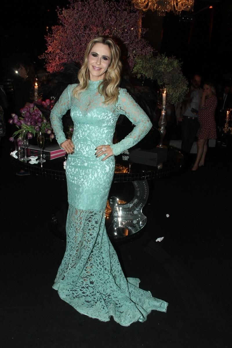 28.mai.2015 - Guilhermina Guinle posa para fotos na festa de lançamento da novela