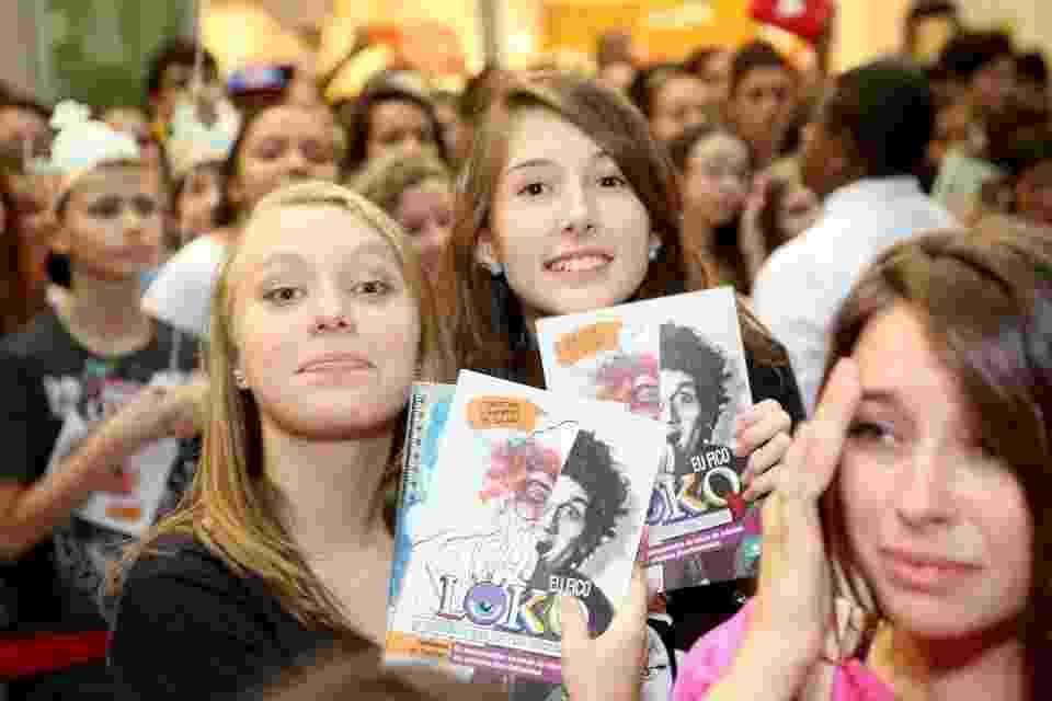 """Fãs do livro  """"Eu Fico Loko: As Desaventuras de Um Adolescente Nada Convencional"""", de Christian Figueiredo - Divulgação"""
