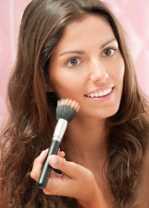 Truques práticos de maquiagem ajudam a produzir um visual arrasador - iStock