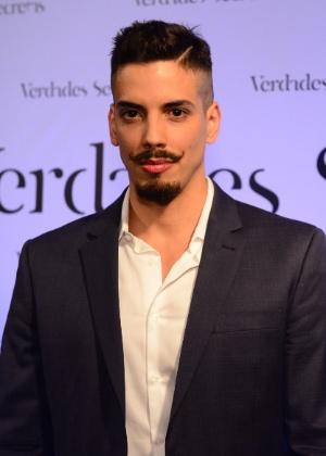 """28.mai.2015 - Felipe de Carolis prestigia da festa de lançamento da novela """"Verdades Secretas"""", em uma casa de eventos em São Paulo"""