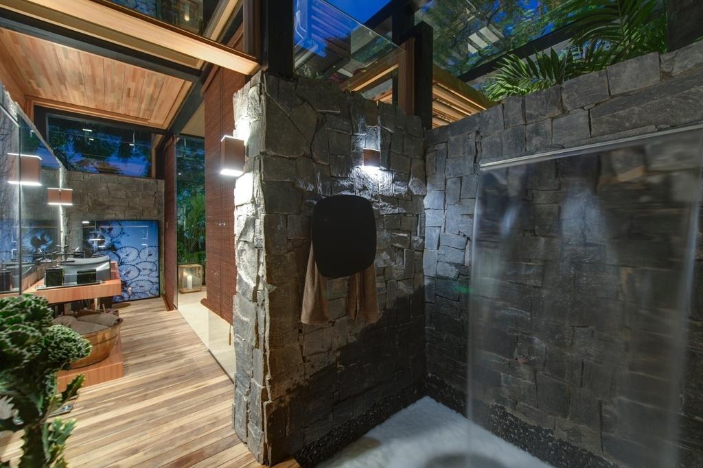 Casa Cor SP 2015 - No banheiro da Casa do Bosque, o arquiteto David Bastos, propõe um