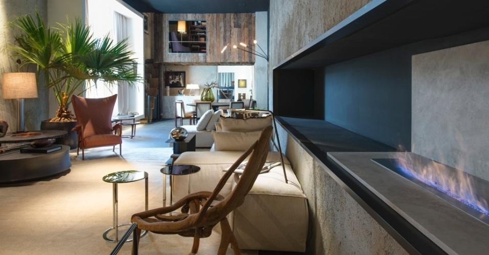 Casa Cor SP 2015 - Tons neutros, contrastes de materiais e mobiliário distribuído de maneira informal marcam os espaços integrados do Apartamento Brasil, de Osvaldo Tenório