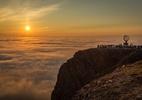 Esqui à luz do sol da meia-noite é atração de centro no Ártico - Getty Images
