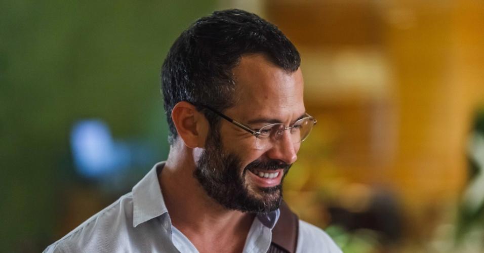 O ator Malvino Salvador interpreta Conrado em
