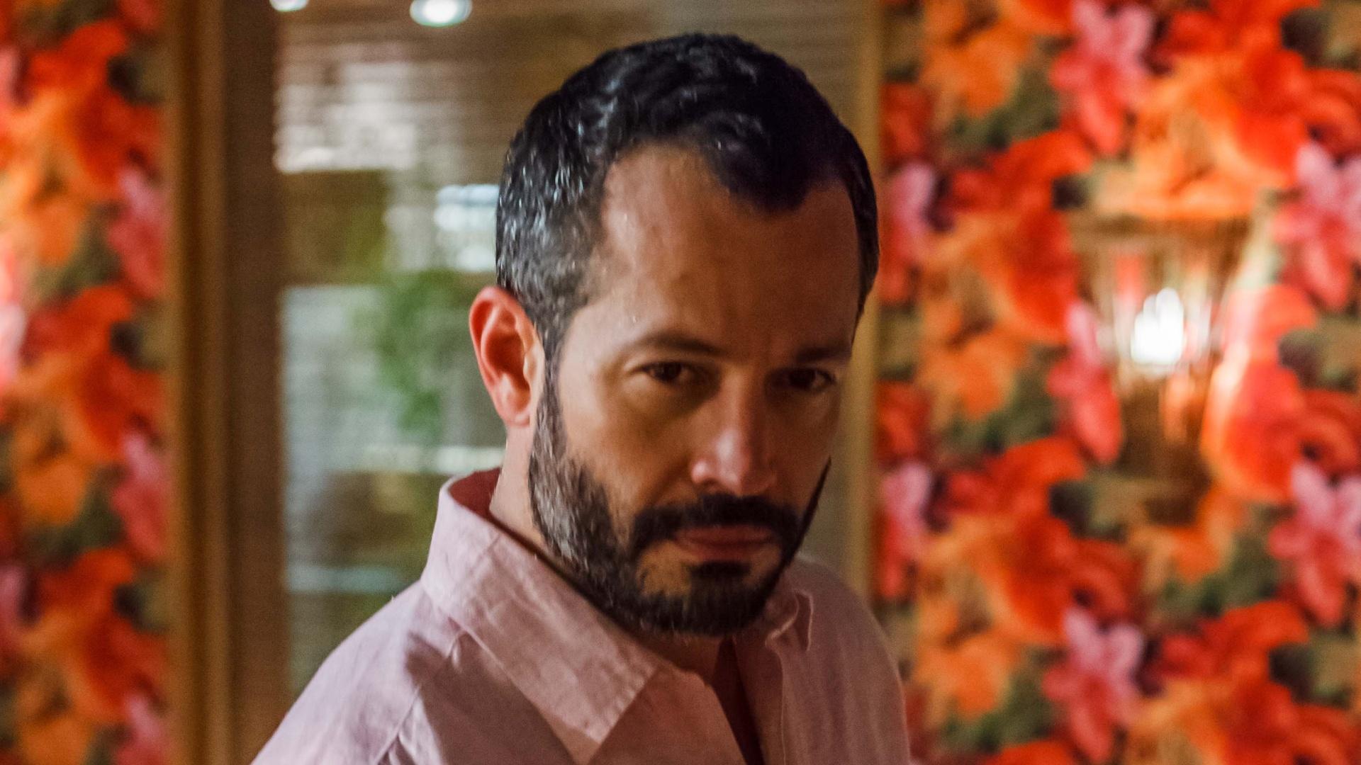 O personagem Conrado, interpretado por Malvino Salvador