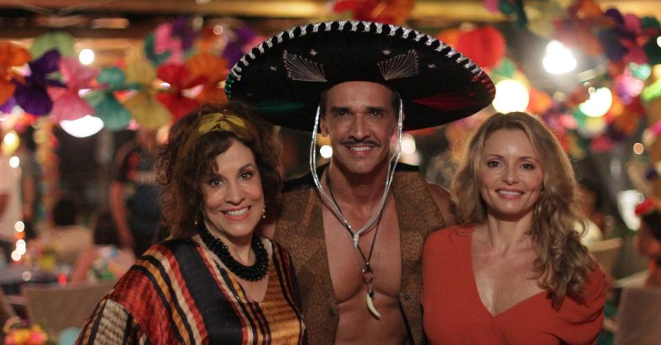 Stella Miranda interpreta Glaucia, a mãe de Conrado e Rita Guedes dá vida a Ângela, ex-mulher dele