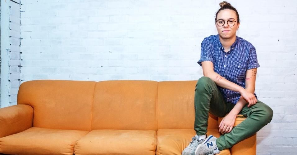 """2.jun.2015 - Cantora Maria Gadu recebeu a reportagem do UOL em um estúdio em São Conrado, no Rio de Janeiro, para falar sobre seu novo álbum """"Guelã"""""""