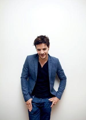 Daniel de Oliveira fala sobre seu relacionamento com Sophie em entrevista a revista