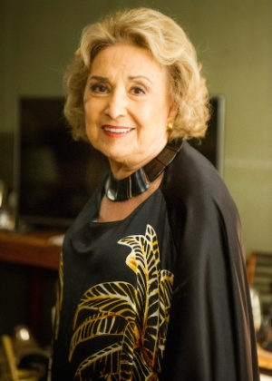 Fábia (Eva Wilma): Mãe de Anthony (Reynaldo Gianecchini). Não quer envelhecer. Ama plásticas. Chantageia o filho para conseguir dinheiro e gasta em clínicas caras, salão de beleza e saídas com as amigas