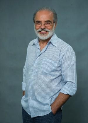 Oswaldo Moreira (Genézio de Barros): Foi professor de matemática durante toda vida. Quando Hilda (Ana Lucia Torre) ficou viúva, aproximou-se dela e desenvolveu uma paixão platônica, nunca correspondida