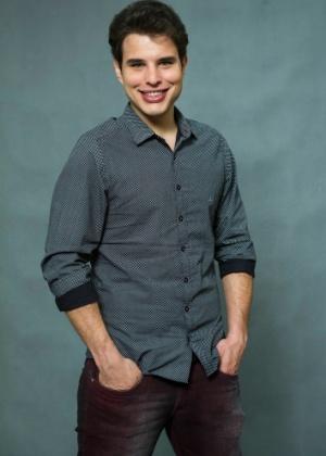 Edgard (Pedro Gabriel Tonini): Engenheiro caretão. Noivo de Lyris (Jéssica Córes). Não gosta do mundo da moda