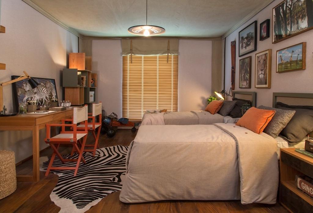 O escritório Messa Pena projetou este dormitório de 17,5 m² com cara de cabana para um casal de gêmeos, durante a Mostra Quartos & Etc.. Para dar o clima